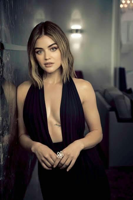 Who is the hottest girl in pretty little liars show??