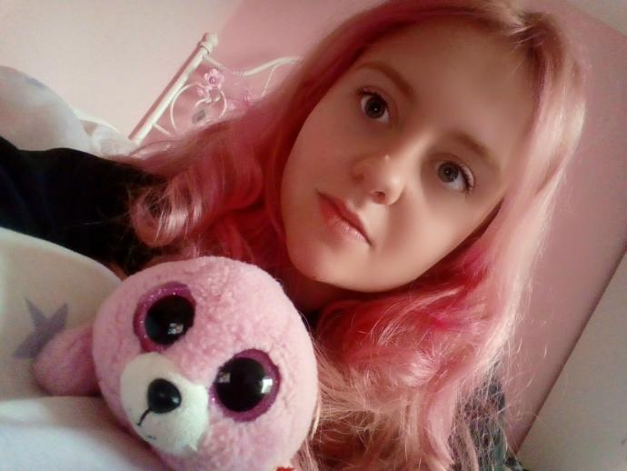 Should I keep my hair blonde or go back to having pink hair?