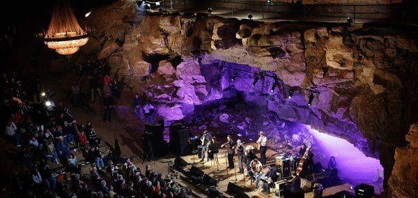 Would you want to go on a date to the Bluegrass Underground concert inside of a cavern?