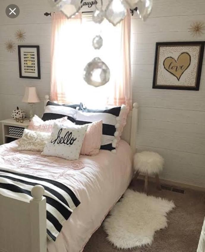 Which girl's bedroom decoration looks cuter?