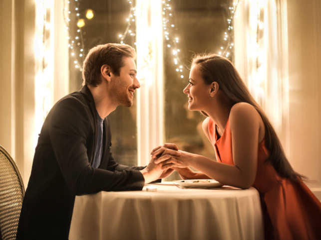 Should guys hide their feelings on the first date?