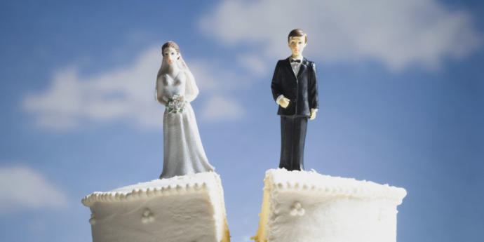 Is it easier for women or men to find love again after divorce?