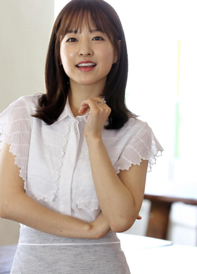 Which East Asian country has the prettiest people?