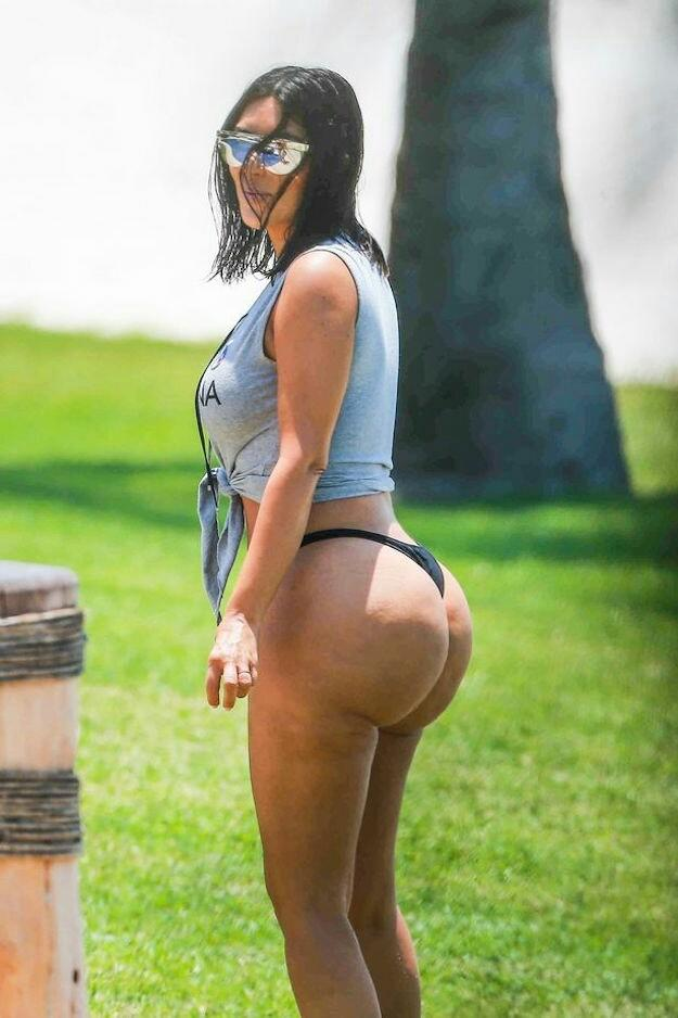 Do you find Kim Kardashians fake hourglass body attractive?