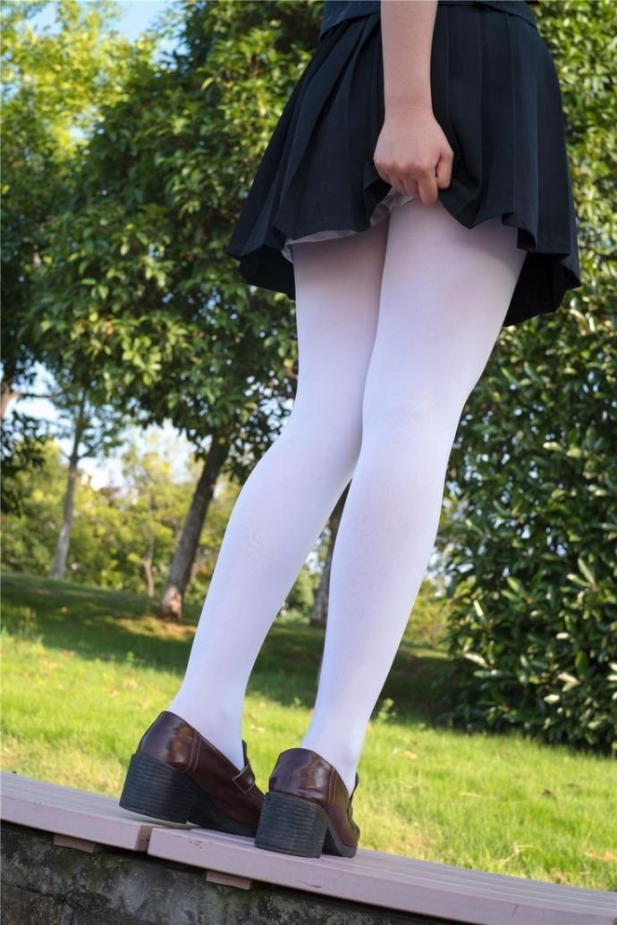 GUYS, Which type of stocking/pantyhose that you like the most?