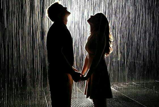 Would you love to play in the rain with your date when it raining?