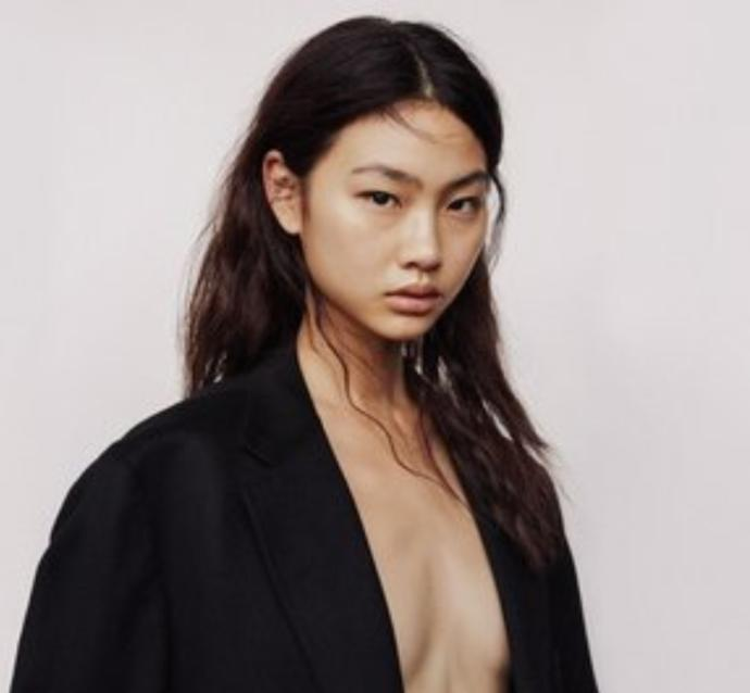 Instagram models, company models or runways models.. who looks the best?