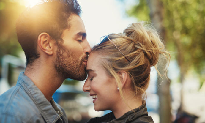 Can platonic love turn into romantic love?
