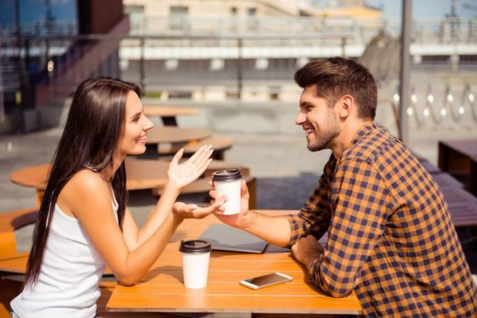 What are things you generally talk about on a date?