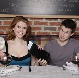 Guys: If a woman doesn't offer to pay or split the bill on a first date, how do you react or respond?