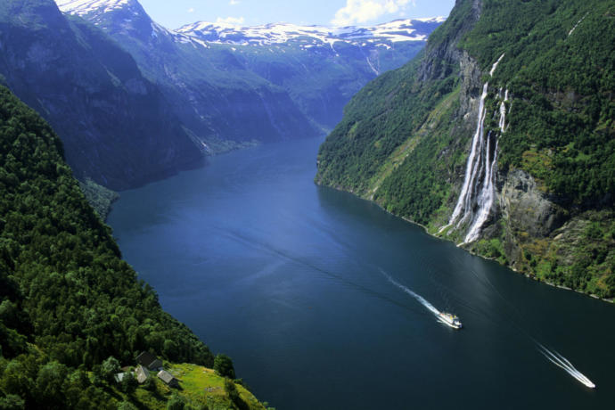 So Norway is more polluted than many tourists believes. This picture isn't from the village.