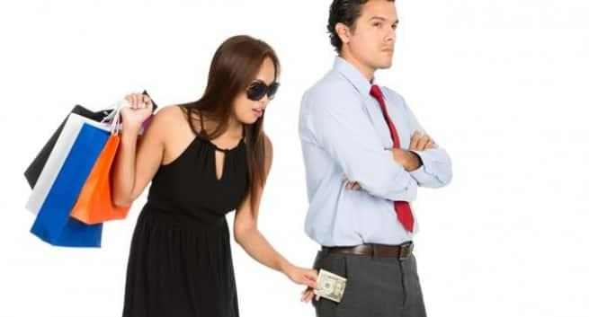 Who else hates gold diggers >:C😠😡?