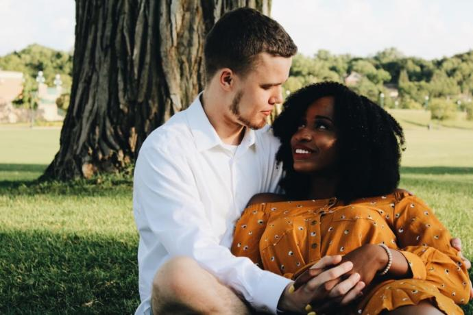 Do white guys like black women and why?