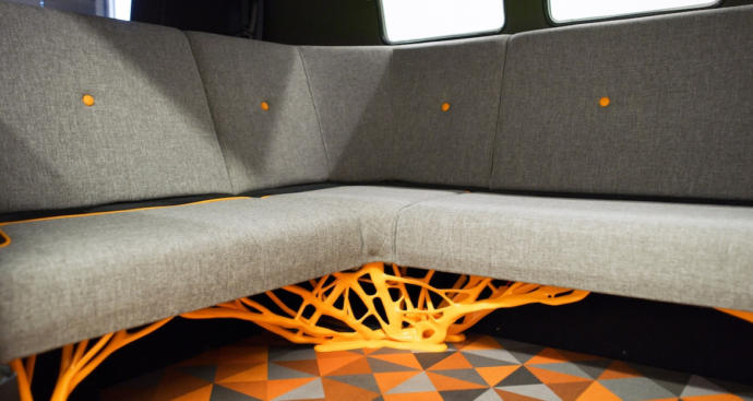 Doesn't this seat base somehow remind you of scary Freddy Krueger? To me, it does.