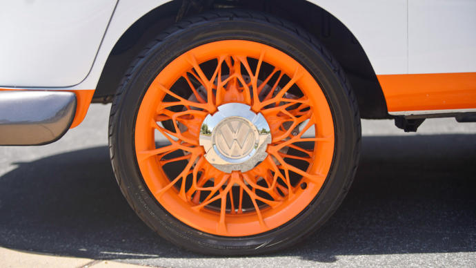 This wheel design looks like something that even my grandma's grandma would decorate their porch with.