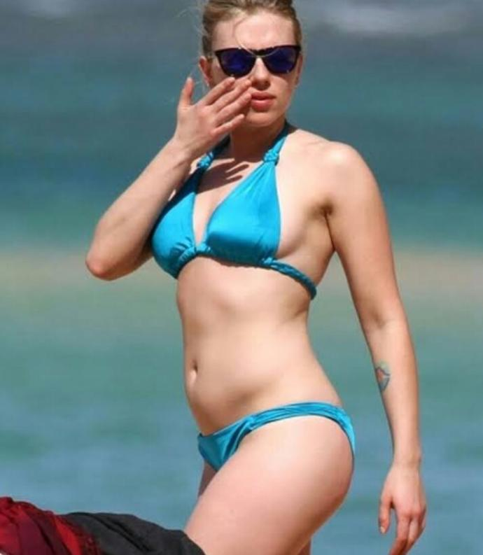 Scarlett Johansson or Jessica Alba - Who do you think has the better bikini body?