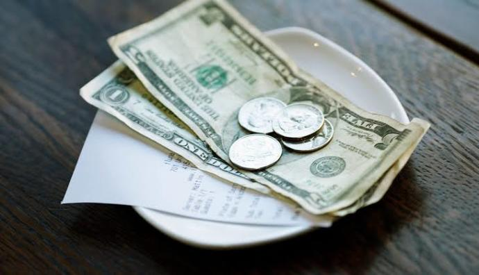 How does tipping work in America? When do you tip? How much do you know to give?