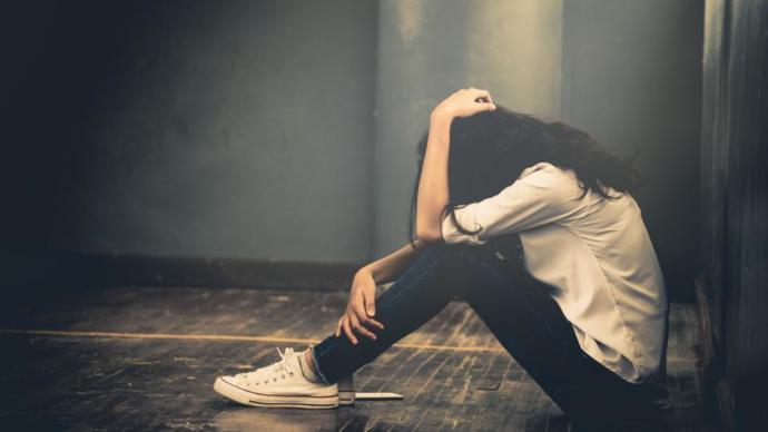 Avoiding the opposite gender after a break up - yes or not?