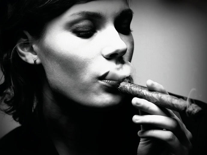 If you smoke, would you share a cigar/cigarette with your date?