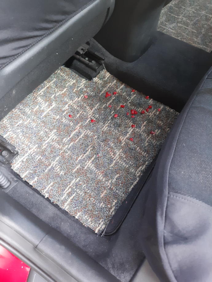 Should a Uber passenger have to pay their Uber driver if they made a mess in their car?