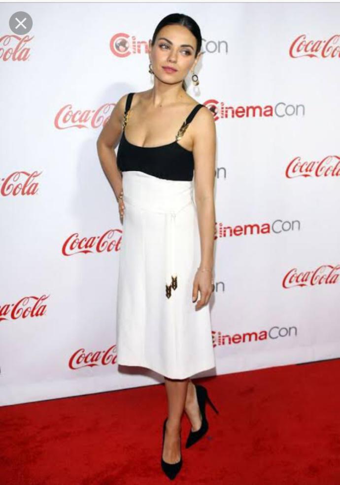 Who is prettier? Emma Watson or Mila Kunis?