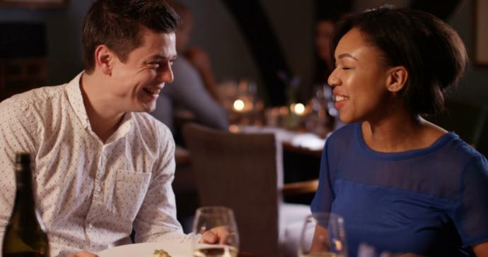 Should people discuss their recent ex in detail on the first date?