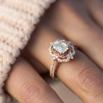 With marriage proposals, who should pick the ring?