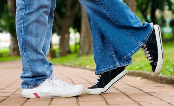 Girls, in dating, do you prefer average height or taller?