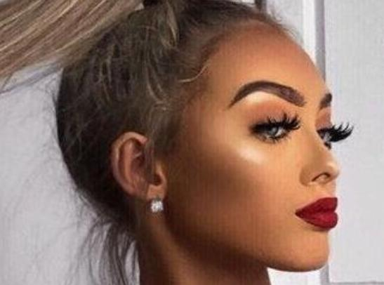Girls do you like this sort of look when getting your makeup done? What's your opinions girls and guys?