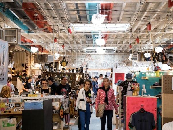 Do you like shopping at the flea market?