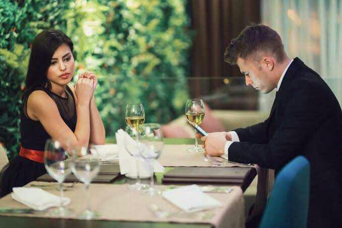 How would you react if your date was always busy with their phone during the date?