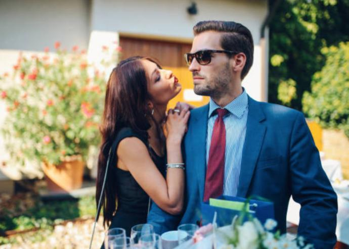 Is it wrong to only want to date rich men?