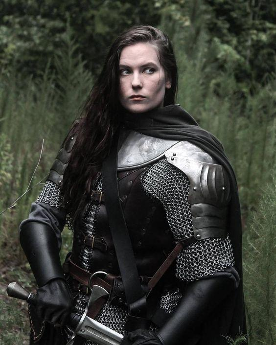 What Type Of Female Armor Do You Think Is Better In A Fictional Setting?