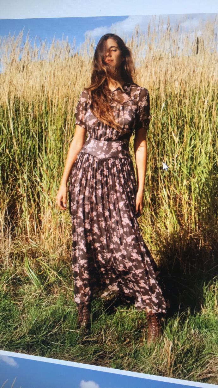 What do men think of women who wear really feminine dresses?