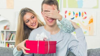 What kinds of gifts do guys like receiving?