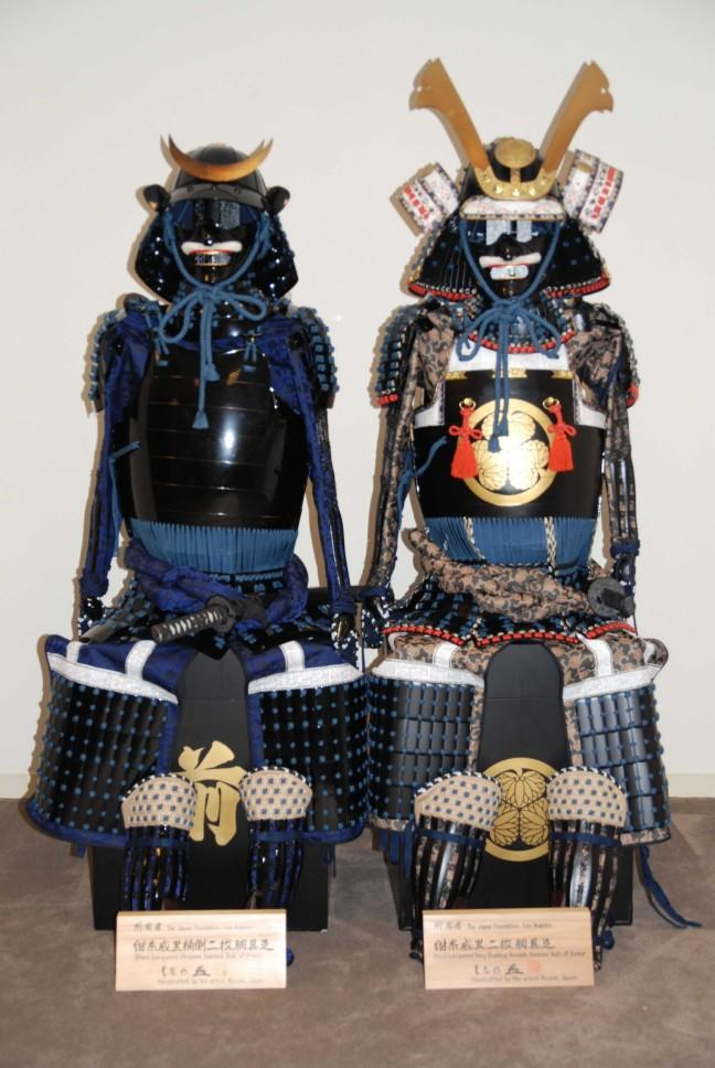 Knight vs Samurai who do you think would win in your opinion??