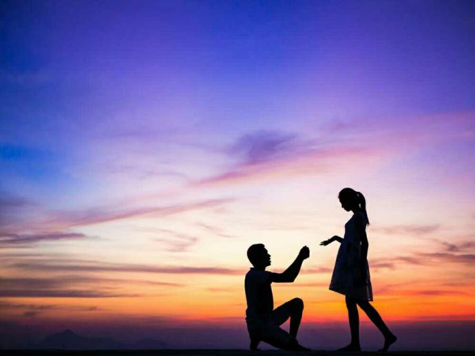 Girls, how do you want to be proposed to?