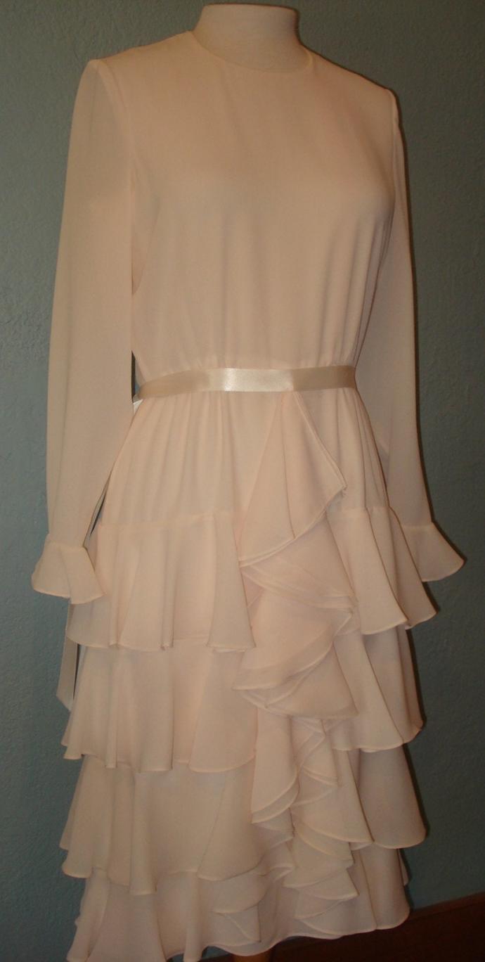 Vivant's Thrift Shop Closet #57 #DIGITORDONATE (dress 🤣) ?