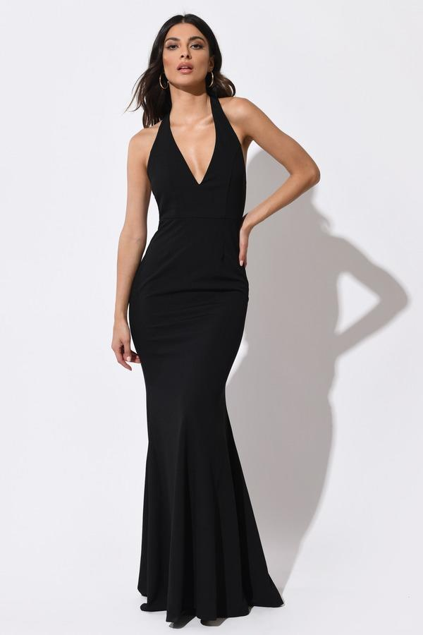 Do you think long dresses look better with or without a slit?