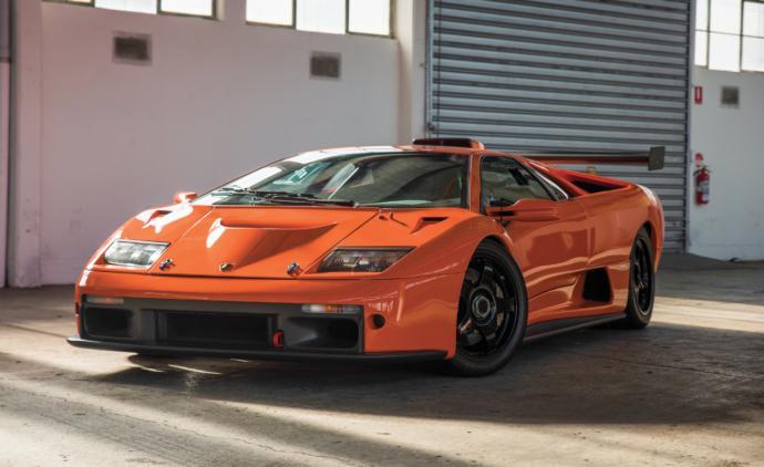 Lamborghini Diablo GT Top speed 215 mph