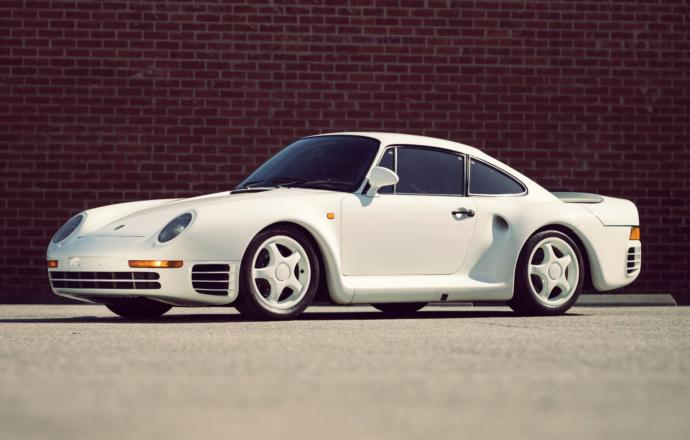 Porsche 959 Top speed: 197 mph (317 km/h), with some variants even capable of achieving 211 mph