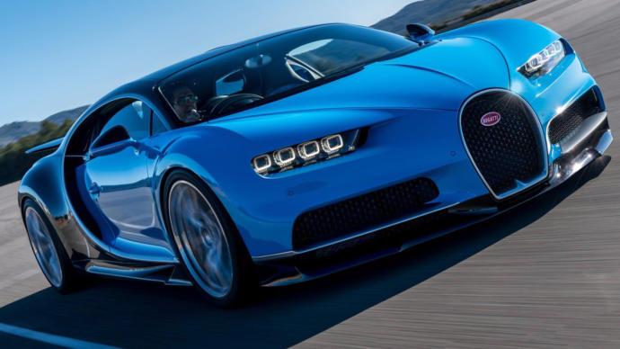 Bugatti Chiron Hits A 267/mph 420 Km H Top Speed Driving