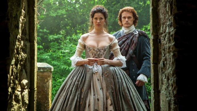 Girls, would you like to wear a period dress like from classic Jane Austen novels?