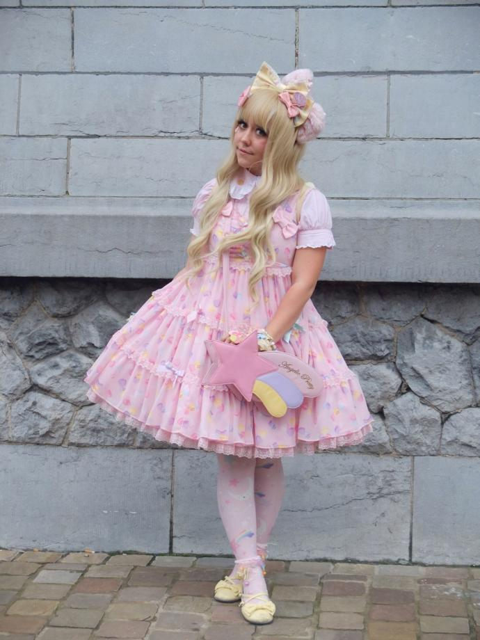 Guys do you find sweet lolita fashion attractive or unattractive?