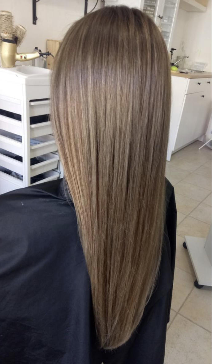 Do you like straight or wavy hair better?