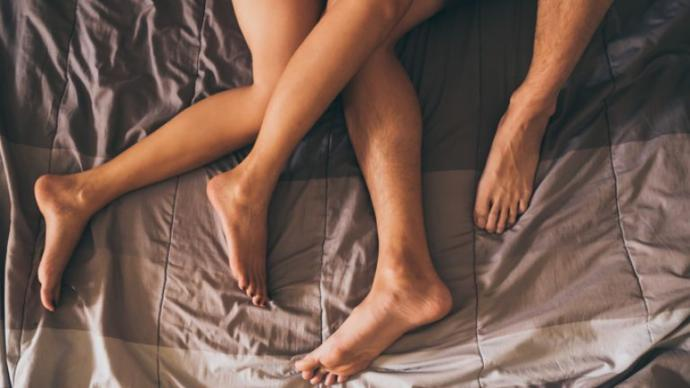 Whats the typical order in which you and a new partner touch each others body parts for the first time?