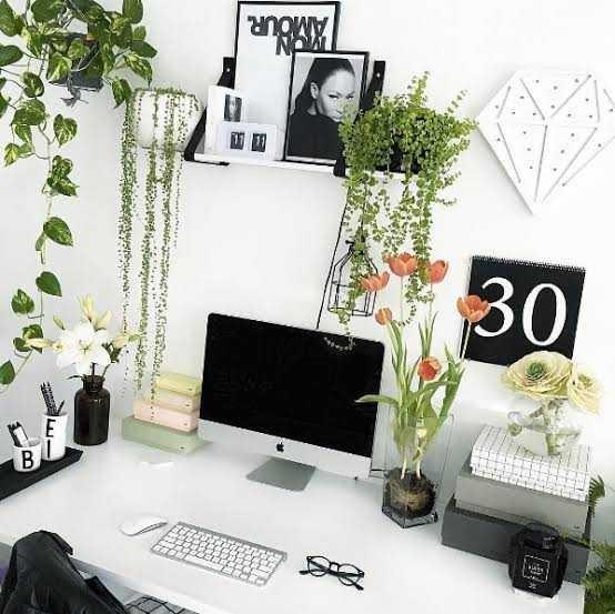 How to decorate my work desk?