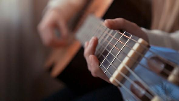Which is learned how to play more often, the piano or the guitar?