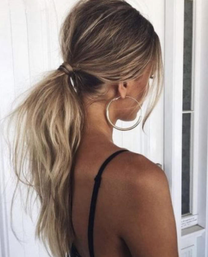 Which hairstyle looks better? messy bun or ponytail?