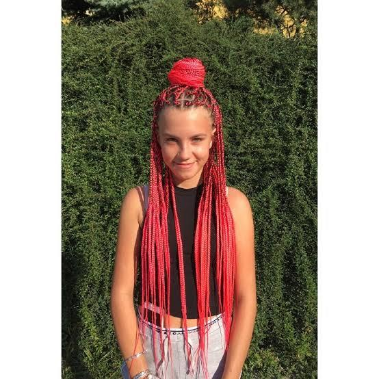 Is it cultural appropriation for a white girl to have box braids?